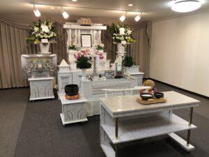 町田ファミリーホールの祭壇